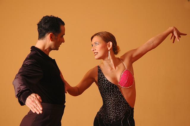 dva tanečníci