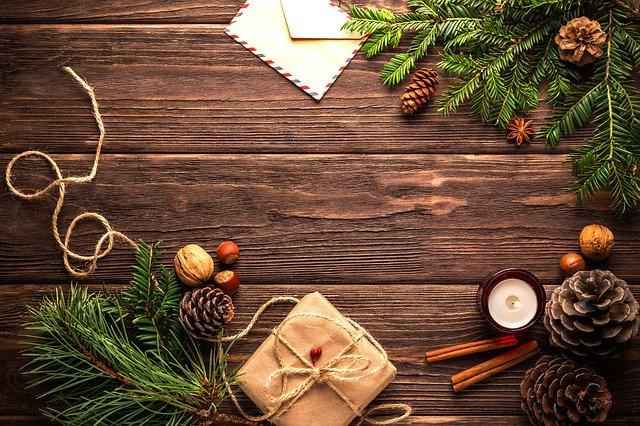 vánoční dekorace a dárek