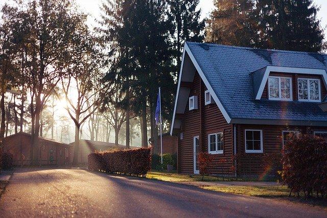 hnědý dům