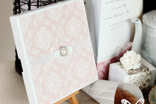 svatební pozvánky, dekorace