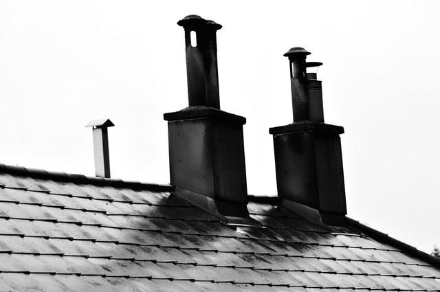 komíny na střeše