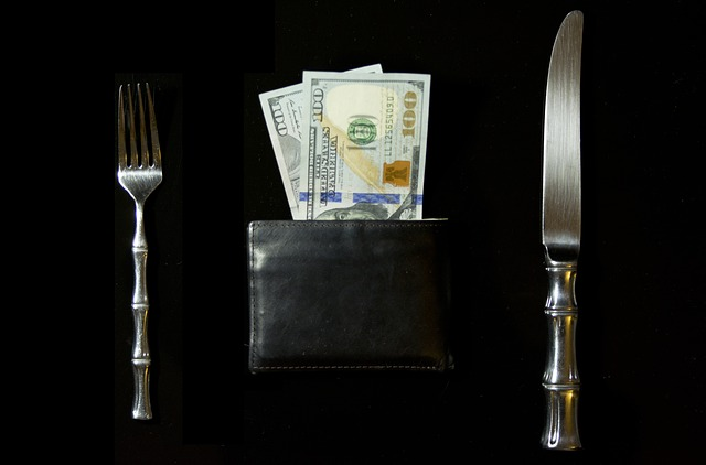 peníze k obědu