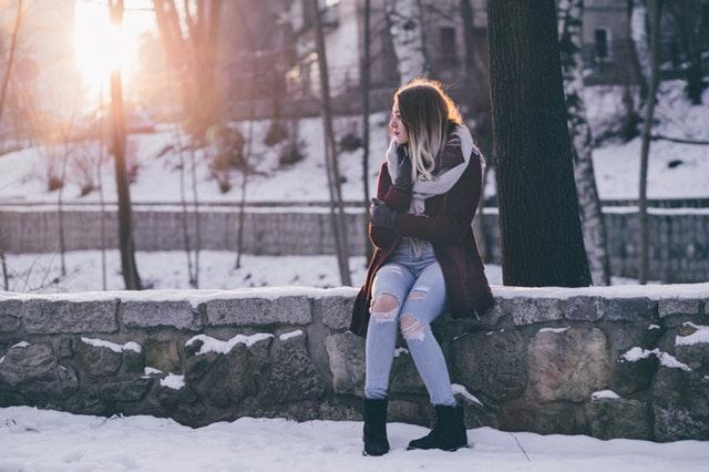 elegantní žena v zimě