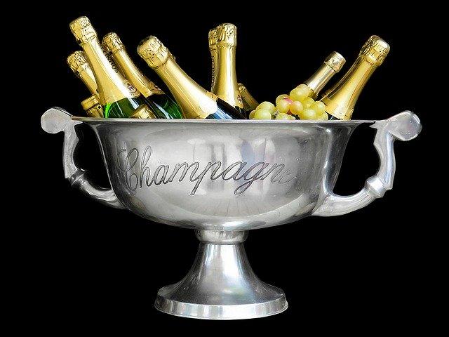 mísa s vychlazeným šampaňským – ideální dárek