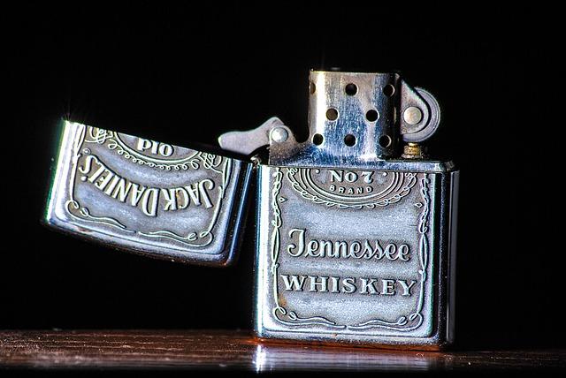zapalovač Jack Daniels